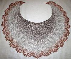 Ажурная шаль Русалки от Виктории выполнена с фантазийным ажуром