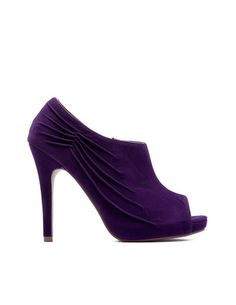 """""""Folds Ankle Heel Shoes"""" by Blanco"""