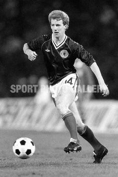 Tommy Burns Scottish Footballer | 15/12/1982 International Football. Belgium v Scotland. Tommy Burns ...