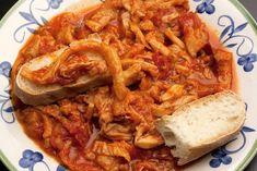 La trippa alla fiorentina è un piatto tradizionale della cucina toscana molto gustoso e semplice. Ecco la ricetta e la variante alla romana Prosciutto, Cheesesteak, Main Dishes, Food And Drink, Cooking Recipes, Pasta, Meat, Chicken, Cooking
