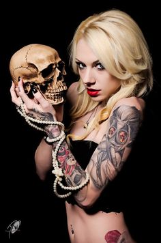"""2K2BT Tattoo Style Clothing presents : Inked girl of the day """"Justinee Lynn"""""""