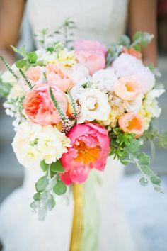 Vibrant bridal bouqu