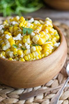 Chili Lime Sweet Corn Salad - sweet corn tossed with butter, fresh lime, chili powder, cilantro, and queso fresco.Use a little less Chili Powder. Mexican Food Recipes, Vegetarian Recipes, Cooking Recipes, Healthy Recipes, Side Dish Recipes, Vegetable Recipes, Corn Recipes, Side Dishes, Salad Recipes