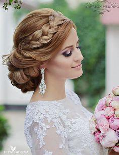 Striking Wedding Hairstyles With Glam - MODwedding