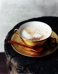 Gold Coffee Cup #lulus #holidaywear