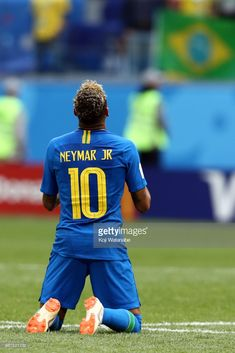 Neymar Jr of Brazil celebrates victory during the 2018 FIFA World Cup Russia group E match between Brazil and Costa Rica at Saint Petersburg Stadium on June 2018 in Saint Petersburg, Russia. Brazil Football Team, Best Football Players, Football Fans, Soccer Players, Neymar Team, Neymar Pic, Fc Barcelona Neymar, Neymar Jr Wallpapers, Most Popular Sports