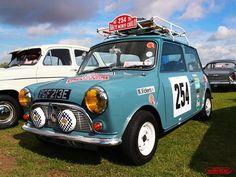 mini cooper Mini Cooper Classic, Classic Mini, Classic Cars, Mini Clubman, Mini Coopers, Best Small Cars, Mini Lifestyle, Cooper Car, Morris Minor