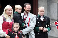 Norway's charming little princess holds court at National Day - Photo 4