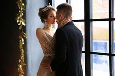 Почему стоит выбрать для проведения предсвадебной фотосъемки или съемки утра невесты студию? В чем преимущества съемки в студии?