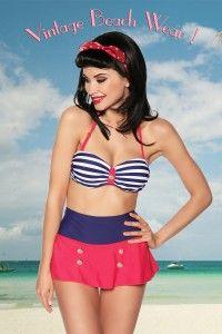 Bikini retro marinero. Bikini estilo retro pin up con una faldita en la braguita que es de corte alto. La parte superior tiene tirantes ajustables y desmontables. Está adornado con botones dorados. 82% nylon, 18% elastán. Tallas S, M, L, XL. http://tienda.idfshop.es/bikini-retro-marinero-ref-12904/