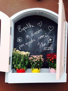 Abra sua janela do dia @loja_amei deseja um dia de muitas flores cores e amores