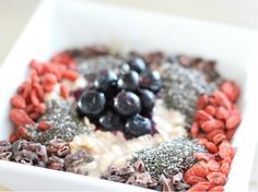 I Love Health | Eetdagboek van Health Lover and Blogger Marloes | http://www.ilovehealth.nl - overnight oats with superfoods - foto: thebeautyassistant.nl