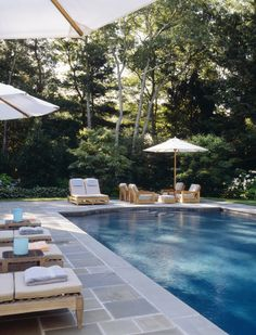 Contemporary Patio and Deck in East Hampton, NY by Robert Stilin Backyard Pool Landscaping, Backyard Pool Designs, Small Backyard Pools, Swimming Pools Backyard, Swimming Pool Designs, Outdoor Pool, Lap Pools, Indoor Pools, Small Pools