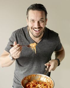 Top Chef alum Fabio Viviana gave us the lowdown on the 3 essential pasta sauces every home cook should know how to make. Check them out!