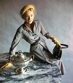 1948 Sandra Nelson in grey wool dress with yellow gloves and veiled hat, photo Horst www.vintageclothin.com