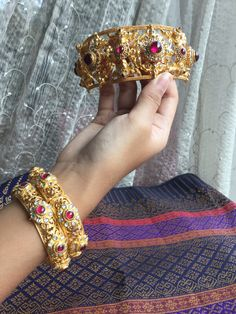 Bangles, Bracelets, Antique Jewelry, Asian, Jewels, Antiques, Chinese, Crown, Culture