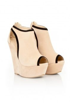 Missguided - Herai Cut Out Peep Toe Wedges In Nude
