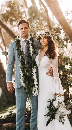 Design your perfect wedding Day vision Mens Mailie Lei with Fresh Orchid Wrap Modern Tropical Orchid FLower Crown /Haku Lei Modern Tropical Bridal Bouquet Oahu, Hawaii Hawaiian Flower Crown, Flower Crown Veil, Flower Crown Wedding, Tropical Wedding Dresses, Beach Wedding Flowers, Tongan Wedding, Flowers In Hair, Lilies Flowers, Flowers Garden