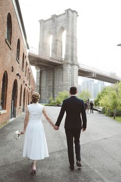 Alexandra and Martin eloped to NYC and chose the Brooklyn Bridge Park in Dumbo as the location for the ceremony + photos. Manhattan Times Square, Lower Manhattan, Brooklyn Bridge New York, Vintage New York, Little Italy, Alberta Canada, Thailand Travel, Empire State, Statue Of Liberty