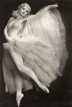 Harriet Hoctor in a heavenly dress.  At the age of 15, Hoctor made her Broadway debut in 1920 as a chorus dancer in Jerome Kern's musical Sally, produced by Florenz Ziegfeld. In 1923 she starred in Topsy and Eva. Subsequent Broadway productions included A La Carte (1927), Earl Carrol's Vanities (1932), Hold Your Horses (1933), as well as several Billy Rose musical revues. Hoctor was to star in four subsequent Ziegfeld-produced musicals.
