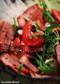 Sałatka z rukoli z chipsami z boczku i pomidorami - Kuchnia Breni Cooking Recipes, Healthy Recipes, Kitchen Hacks, Cravings, Bacon, Grilling, Pork, Food And Drink, Beef