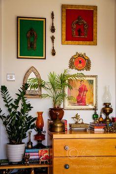 India Home Decor, Ethnic Home Decor, Indian Home Interior, Indian Interiors, Home Decor Styles, Home Decor Accessories, Indian Inspired Decor, Indian Room Decor, Home Entrance Decor