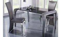 Mesa de comedor de cristal negro. 149 x 90 x 77cm.