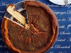 Melktert met smeerkors Melktert Recipe, Best Flourless Chocolate Cake, Milk Tart, Mince Pies, Cheesecake Recipes, Yummy Cakes, Food Videos, Baked Goods, Curry