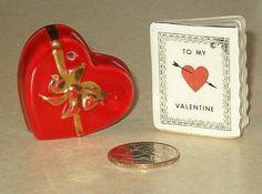 Valentines Day   Vintage Arcadia Ceramics Miniature Novelty Salt and Pepper Shakers -- FUN!