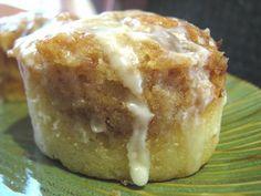 Cinnabon Cake.....get in my belly!!