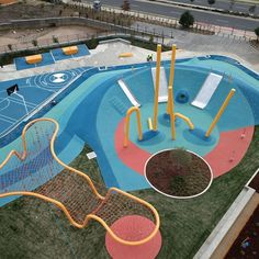 Synthetic Grass and Rubber Surfaces Project Modern Playground, Park Playground, Playground Design, Backyard Playground, Outdoor Playground Flooring, Children Playground, Pool Bar, Design D'espace Public, Cool Playgrounds