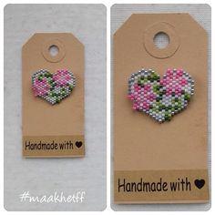 Broche/brooch bloemenhart/flowerheart. Gemaakt van Miyuki delicas. #broche #brooch #kralen #beads #miyukidelicas #hart #heart #handmade #maakhetff_verkoopt #instagramkoopjeshoek