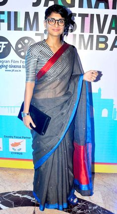 Kiran Rao at Jagran Film Festival launch party making a sari look positively geeky. Cotton Saree Blouse Designs, Saree Blouse Patterns, Fancy Blouse Designs, Bollywood Designer Sarees, Bollywood Fashion, Stylish Blouse Design, Stylish Sarees, Saree Look, Saree Dress