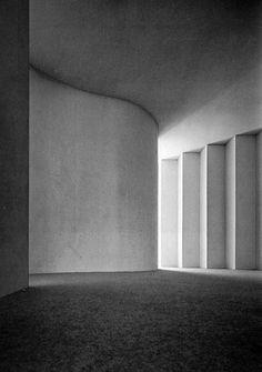 House in Kamiwada - Toyo Ito 1976 Conceptual Architecture, Space Architecture, Architecture Details, Classical Architecture, Sustainable Architecture, Arch Interior, Interior Exterior, Interior Design Living Room, Toyo Ito