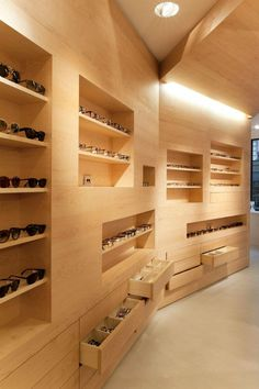 La Galerie de Lunettes by Dumazer & Lafallisse Architectes, Paris » Retail Design Blog