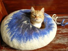 Felted Cat Cave/Pet Cave / Cat House/ Cat Den/ Cocoon/ White Blue Cloud and GIFT $50.00