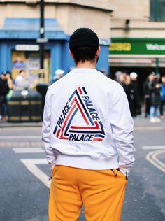 Palace Skateboards Ultimo Nice clothes is another crucial part to the good life because it's one of my main interests and it's very important overall. Urban Fashion, Mens Fashion, Fashion Outfits, Fashion Trends, Hypebeast Brands, Urban Outfits, Cool Outfits, Hang Ten, Mode Hip Hop