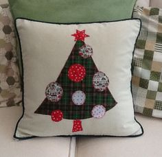 My completed applique Christmas cushion.