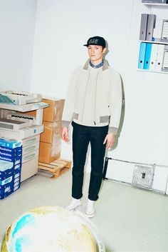 After the huge success of their first collaborative collection last year, ADER Error and Maison Kitsuné are teaming up for a second, out tomorrow. Men's Fashion, Fashion Show, Autumn Fashion, Fashion Design, Runway Fashion, Vogue, Pin Man, Mens Fall, Lookbook