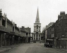 Brushfield Street, Spitalfields, with Nicolas Hawksmoor's English baroque Christ Church at the end of it. Vintage London, Old London, Hidden London, East End London, Bethnal Green, London History, London Places, Rural Area, Historical Pictures
