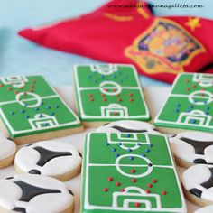 UEFA Championship cookies (and cupcakes to match). Soccer Cookies, Soccer Cake, Man Cookies, Cookies For Kids, Iced Cookies, Cute Cookies, Sugar Cookies, Cookie Frosting, Royal Icing Cookies