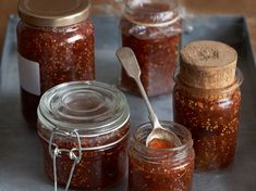 Fig and Apricot Jam Fig Recipes, Canning Recipes, Easy Jam Recipe, Plastic Ware, Cook N, Fig Jam, Recipe Directions, No Sugar Foods, Food Containers