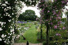 Gertrude Jekyll :: Manor House, upton grey