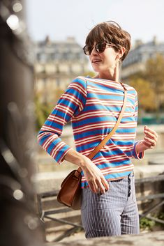 Short Pixie, Pixie Cut, Short Hair Cuts, Pixie Styles, Short Styles, Parisienne Chic, Short Hair Outfits, Styles Courts, Dress Like A Parisian