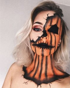 Halloween: 15 easy make-up makeup ideas Halloween Make-up Ÿ . - Halloween: 15 easy makeup ideas for Halloween Make-up🐺🧡 - Disfarces Halloween, Halloween Designs, Cool Halloween Makeup, Halloween Inspo, Halloween Pumpkins, Halloween Pumpkin Makeup, Pumpkin Halloween Costume, Scarecrow Makeup, Face Paint For Halloween