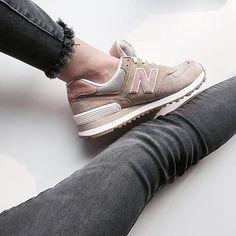 Tendance Chausseurs Femme 2017  #girlsonmyfeet  #gomf on Instagram: New Balance WL574 by @porta188  #girlsonmyfeet #gomf #girlonkicks #wdywt #womf #sneakersmag #sneakers #snkrs #sneakersaddict #sadp