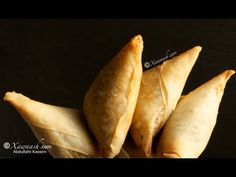 These are amazing so much flavor and little spice Madagascar Food Recipe, Somali Recipe, Beef Samosa Recipe, Spring Roll Pastry, Spicy Dishes, Indian Food Recipes, Ethnic Recipes, Middle Eastern Recipes, Food Items