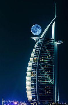 Hotel Burj al Arab en Dubai de noche