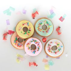 Donut cookies and flamingos. #lepetitbiscuitnl
