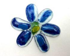 Flor de vidro para composição de mosaicos , bijuterias ou outras aplicações decorativas  ou artesanais AZUL R$ 7,50